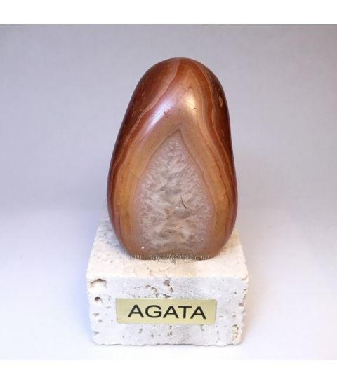 Ágata llama de Brasil sobre peana de Travertino