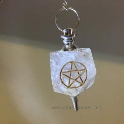 Péndulo de Cuarzo lechoso con el pentagramatón grabado
