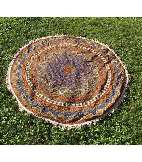 Tapiz alfombra rosetón de dos metros con estampados florales en algodón.