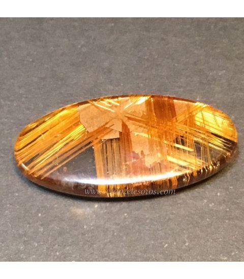Excelente pieza de Cuarzo con Rutilo oro de Brasil en talla cabujón