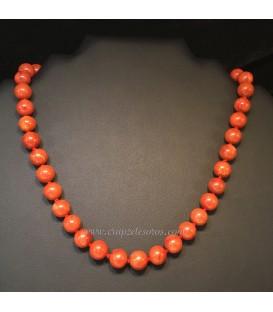 Coral Manzana en collar de esferas de 10mm con cierres de plata de ley