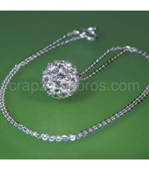 Colgante esférico con Circonitas y cadena en plata de ley