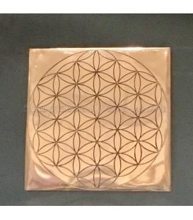 Flor de la vida sobre bandeja de cobre cuadrada