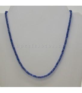 Tanzanita talla disco facetado en collar con cierres de plata de ley