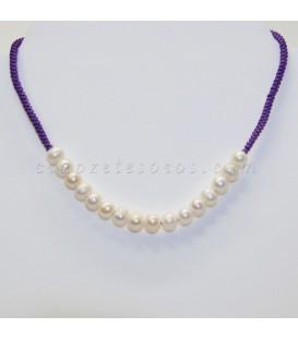 Perlas naturales cultivadas en gargantilla de macramé ajustable