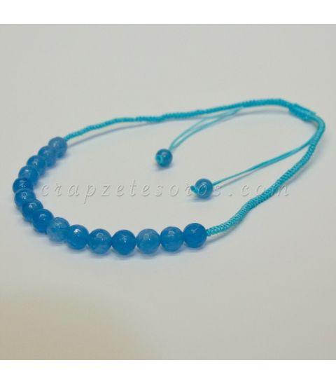 Ágatas azules talla esfera facetada en gargantilla de macramé ajustable