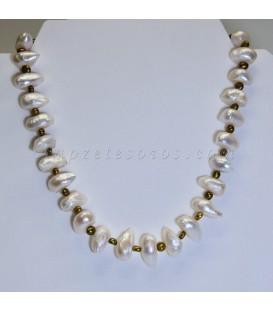 Collar de Perlas barrocas cultivadas con cierre de reasa metálica