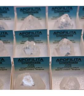 Pirámide natural de Apofilitas en cajita de colección