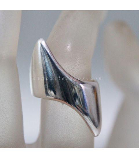 Perlas naturales negras en pulsera con cierres de plata de ley
