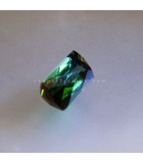 Verdelita o turmalina verde talla gema