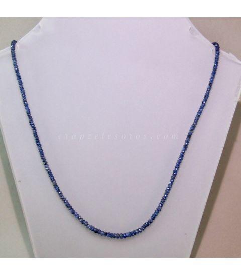 Zafiros facetados montados en bello collar degradé con cierre de plata de ley