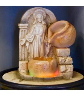 Virgen milagrosa en fuente de agua, resina, luces y motor.