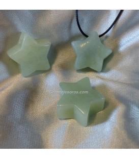 Jade claro talla estrella en colgante perforado