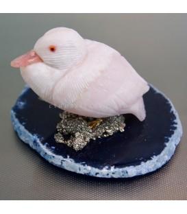 Pato tallado en Cobaltocalcita, ópalo rosa, pirita y ágata de Perú
