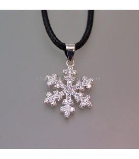 Colgante de plata de ley y circonitas con la forma de un cristal de hielo
