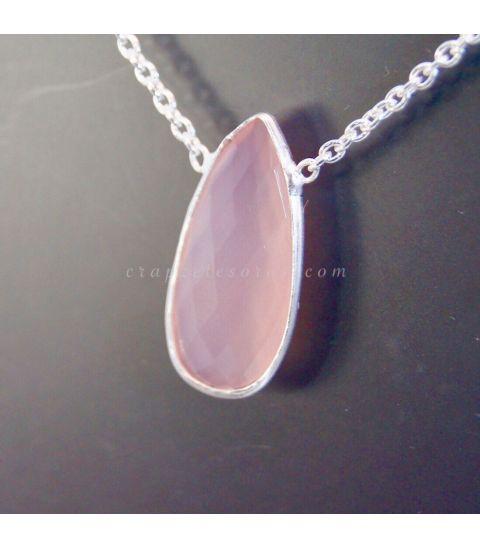 Conjunto de Cuarzo rosa en colgante con cadena de plata de ley