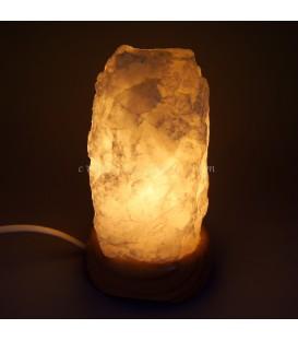 Lámpara de cuarzo masivo de Brasil con peana madera