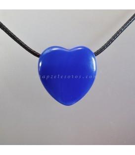 Ágata azul tallada como corazón colgante perforado