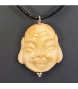 Buda Hotei tallado en hueso para colgante con cordón