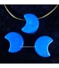 Howlita azul en colagnte de Luna con agujero