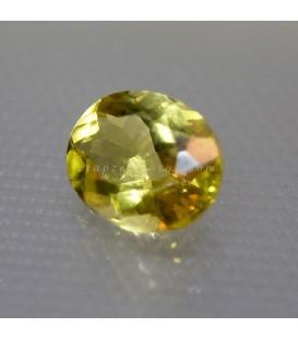 Luminosa Olivina o Peridoto gema talla oval
