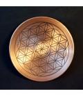 Flor de la vida grabada sobre bandeja circular de cobre