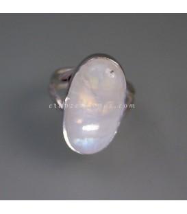 Piedra Luna Espectrolita en anillo de plata de ley