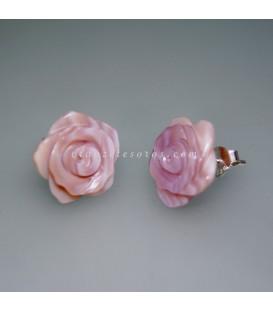 Nácar rosa talla flor en pendientes de plata de ley