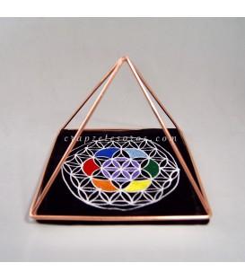 Pirámide de Cobre y Flor de la vida en paño en la base