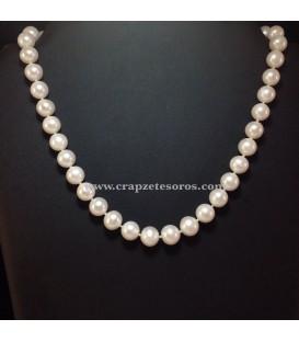 Collar de Perlas esféricas cultivadas, montadas con nudos y cierres de plata de ley