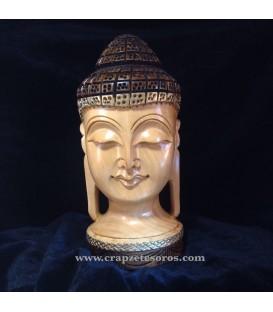 Preciosa talla de Buda sobre madera de la India.
