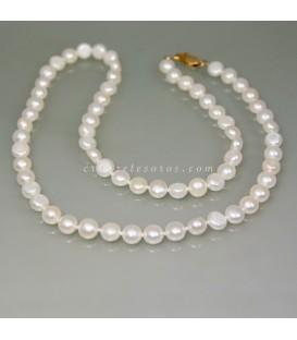 Collar de Perlas barroca natural con nudos y cierres de oro