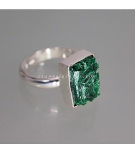 Malaquita fibrosa en exclusivo anillo de plata de ley