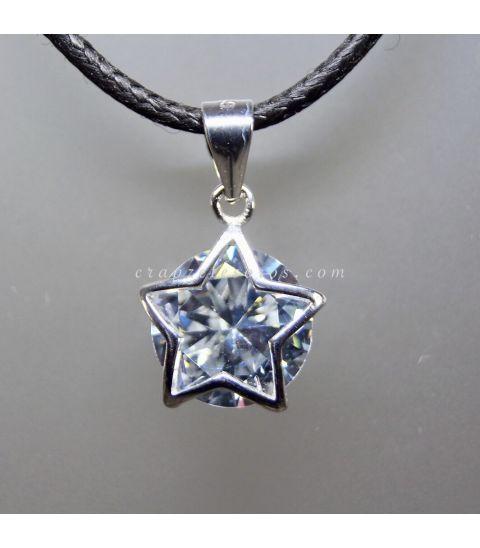 Circonita sobre colgante estrella de plata de ley
