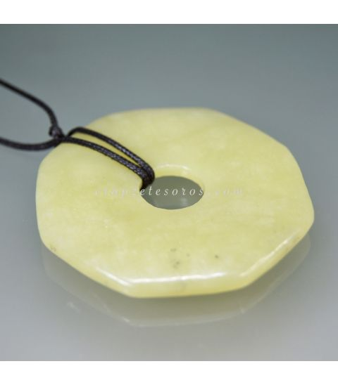 Jade talla octaedro plano para colgar