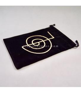 Chokurei bordado en bolsa de terciopelo