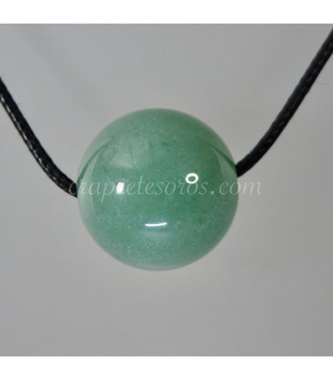 Aventurina verde talla esfera perforada para colgante.