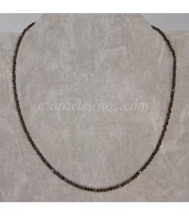 Obsidiana dorada talla esferitas 2 mm en gargantilla cierre metal ajustable