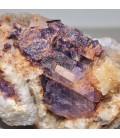 Fluorita lila en matriz de calcita de Asturias