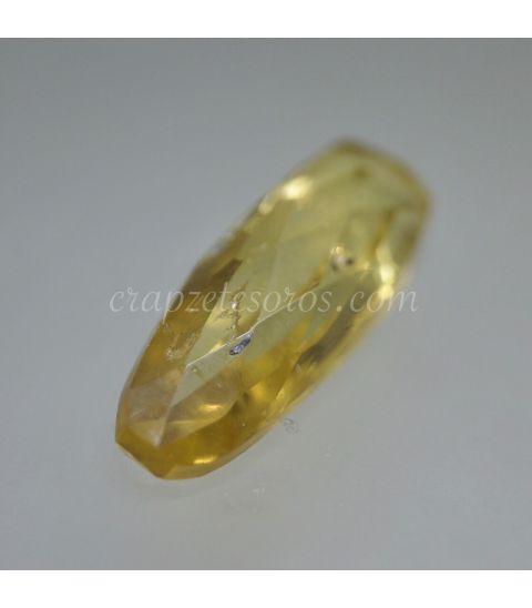 Heliodoro, piedra del Sol en gema talla menhir de Brasil