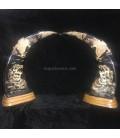 Pareja de astas de Búfalo de 32 cm. de Tailandia repujadas con tigres y dragones en base de madera.