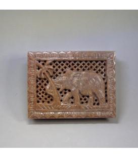 Elefante tallado en caja piedra jabón de India