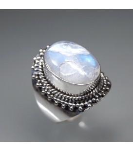 Piedra Luna con estigmática en anillo de plata de ley