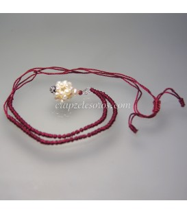 Perlas naturales modelo Átomo en colgante con cordón