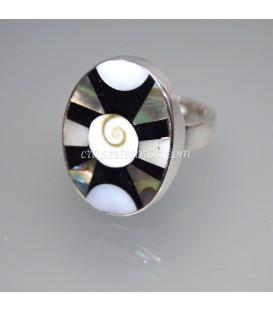 Nácar con espiral natural en anillo de plata de ley