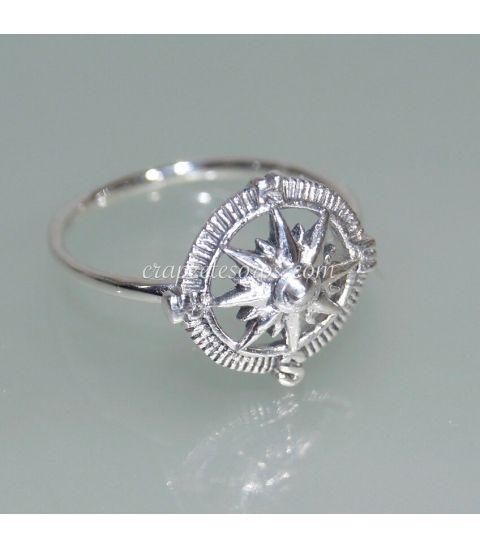 Rosa de los vientos o Brújula en anillo de plata de ley