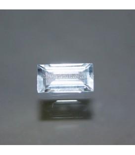 Topacio azul gema talla esmeralda tradicional