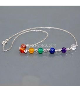 Gargantilla macramé ajustable con gemas de los chakras