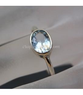 Aguamarina de Brasil talla octogonal en anillo de plata de ley