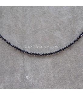 Turmalina negra talla esferas en collar de plata de ley